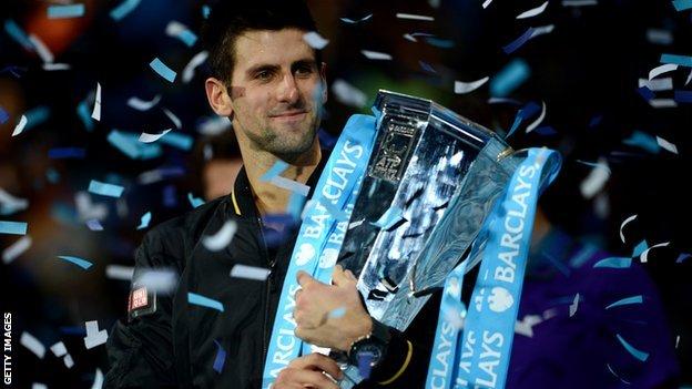 Vince Djokovic, Nadal non perde, e con Federer scivola via l'ultimo eroe del tennis che fu